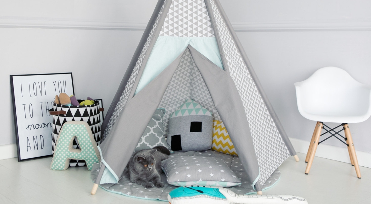 tipi bebe mon prochain diy le tipi enfant dans la chambre. Black Bedroom Furniture Sets. Home Design Ideas